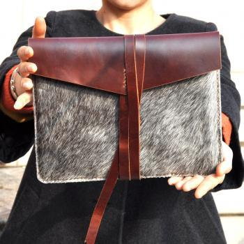 Leather iPad 2 case/holster /cover/sleeve in brown -natural colour
